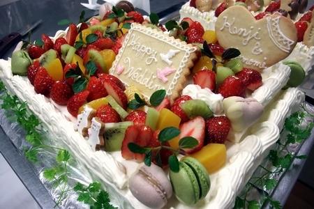 2012.4.7結婚式ケーキ5.jpg
