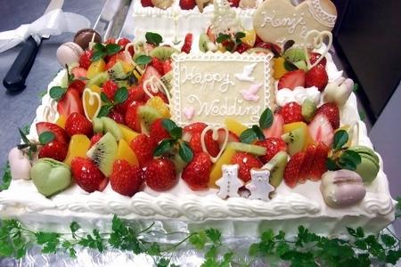 2012.4.7結婚式ケーキ1.jpg